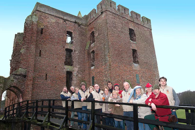 Volunteer at the Ruine van Brederode